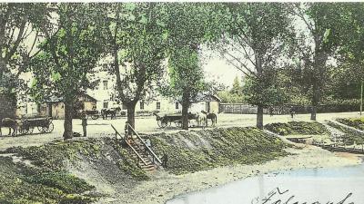 Az Élővíz-csatorna partja az egykori malom előtt