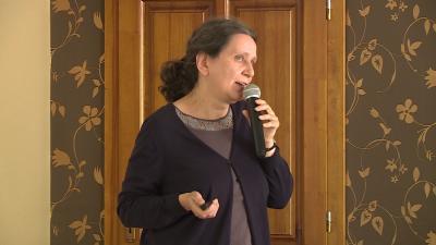 Kerekes Ibolya a gyékényszövésről is beszélt a konferencián (Fotó: Kovács Dénes)