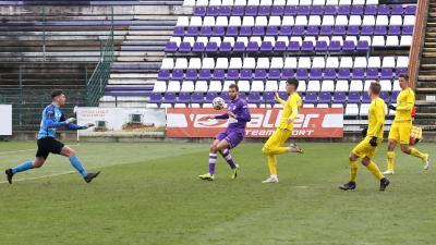 Mayer Máté (lövés közben) döntötte el a meccset (Fotó: Milyó Pál)