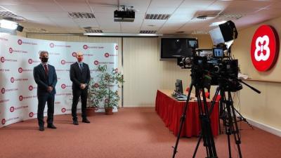 Ezúttal a díjazottak nem lehettek jelen, Szarvas Péter és Klaukó Ákos videoüzenetben gratulált