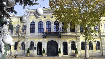 A békéscsabai városháza – Fotó: behir.hu/Such Tamás