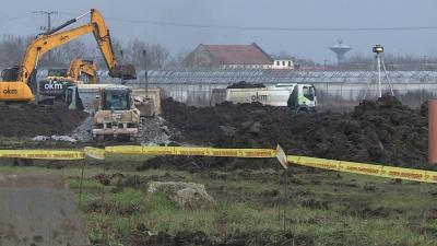 Elkezdődött az építkezés az Airbus gyár területén. Fotó: Kugyelka Attila / behir.hu