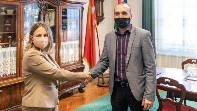 Dr. Pappné Darida Andrea és Kálmán Tibor, Békés polgármestere (Kép: Gazsó János)