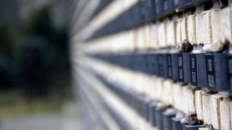 Az országban egyedül Békéscsabán van holokauszt emlékfal