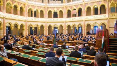 Az Országgyűlés plenáris ülése 2021. február 22-én. MTI/Balogh Zoltán