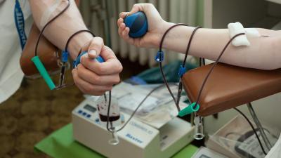 Véradás (fotó: MTI/Koszticsák Szilárd)