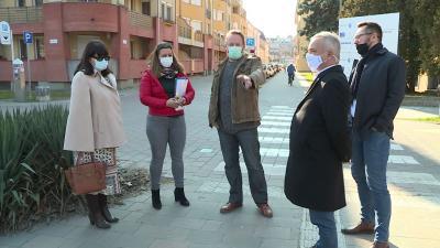 Hamarosan munkaterület lesz a Deák utcai híd környéke - készülnek az új szobrok. Fotó: 7.TV/Máthé Csongor