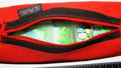 Extasy tabletták a tolltartóban – Fotó: police.hu