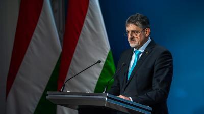 György István államtitkár (fotó: koronavírus.gov.hu)
