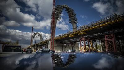 Látványos szakaszba ért az M44 gyorsforgalmi út Tisza hídjának építése – (Fotó: Nemzeti Infrastruktúra Fejlesztő Zrt.)