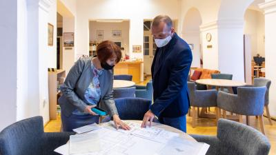 Pályázati forrásból, mintegy 19 millió forintnyi fejlesztés valósul meg a Békés Városi Püski Sándor Könyvtárban – forrás: Kálmán Tibor
