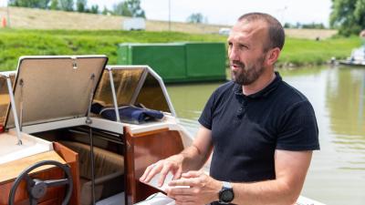 Békési kishajó flotta_Kálmán Tibor_polgármester