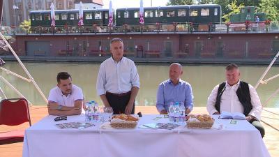 Csaba receptfüzet sajtótájékoztató. Fotó: 7.TV