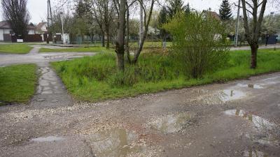 A 7 milliárd forintos útfelújítási program az utcák, közterek közműveit is érinti (fotó: behir.hu/ Ujházi György)