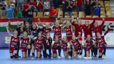 A bajnokok (fotó: https://www.facebook.com/kezivalogatott)