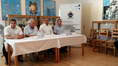 Sarkadi Zoltán (balról), dr. Kovács József, Sztojka Attila és Köves Mihály tartott tájékoztató pénteken - (Fotó: behir.hu)