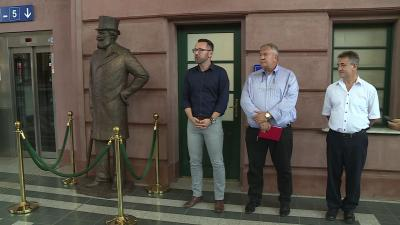 210712_Munkácsy Mihály szoborátadás_vasútállomás