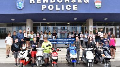 36 Békés megyei diák szerzett jogosítványt a Sulimoped programban 2021-ben. Forrás: police.hu