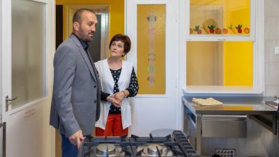 Megérkeztek a békési Gólyafészek bölcsőde új konyhafelszerelései. Forrás: Békési polgármesteri kabinet