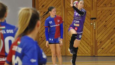Karacs Jázmin (lövés közben) tíz góllal járult hozzá a sikerhez (Fotó: Such Tamás)