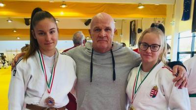 Fehér Dóra, Gyáni János és Sóczó Rebeka. Fotó: egyesület